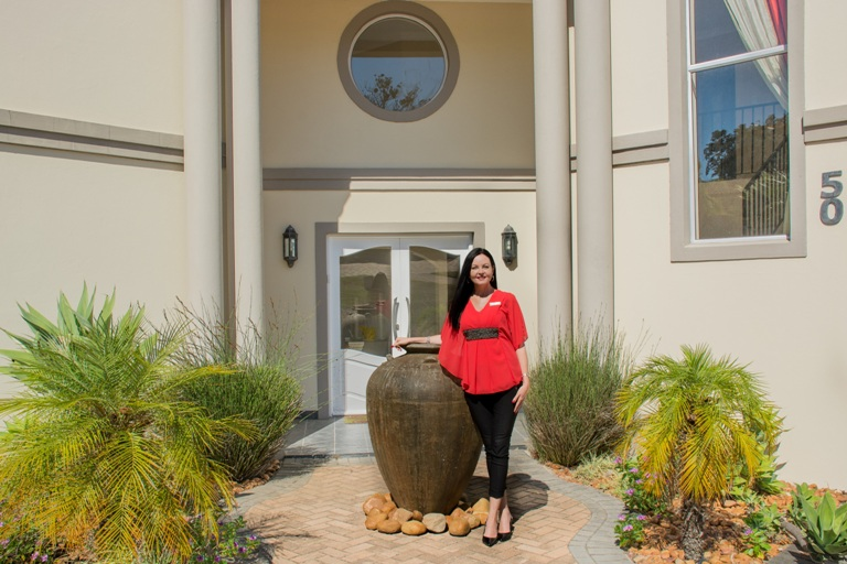 PE estate agent star in home renovation series